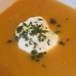 Recette-soupe-de-potimarron-et-topinambour-avec-croûtons-de-pain-d'épices