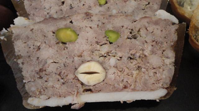 Terrine pistaches et noisettes Terminer