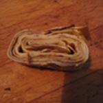 Bouillon-aux-crêpes-épicées Trancher les crepes