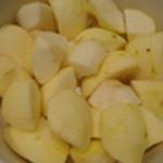 Clafoutis-aux-pommes-Remplir de pommes