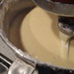 Pâte-à-crêpes-Ajouter la farine