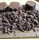 Panna-cotta-au-suchard-Emietter le chocolat