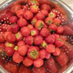 Clafoutis aux fraises Rincer les fraises