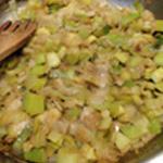 Parmentier de poulet Saisir les poireaux