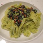 Pesto ail et pignons de pin Tagliatelles et pesto