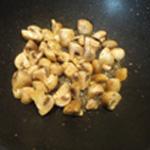 Rognon à la moutarde Saisir les champignons