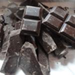 Tate au chocolat Casser le chocolat