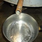 Distiller les mirabelles La première goutte