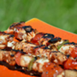 Brochettes marinées de poulet Brochettes cuites