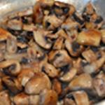 Salade aux champignons Retourner les champignons