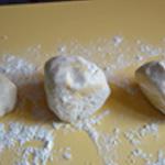 Brioche sucre perlé Séparer en trois