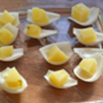 Harengs pomme de terre Poser les pommes sur la pelure