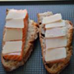 Saumon au pesto Poser sur le pain, saumon, fromage