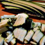 Soupe courgette et chorizo Couper la courgette