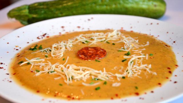 Soupe courgette et chorizo Terminer