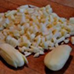 Potage aux moules Couper les pommes de terre