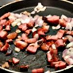 Omelette aux trompettes Griller les lardons