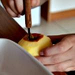 Pomme au four Enlever le tronçon