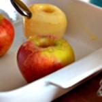 Pomme au four Verser sur la pomme