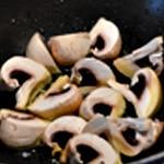 Rognon de veau a la moutarde en grain Saisir les champignons