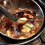 Moelleux au chocolat et framboises Ajouter le beurre