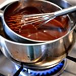 Moelleux au chocolat et framboises Fondre le chocolat