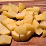 Omelette pomme de terre Couper les pommes de terre
