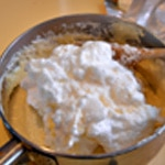 Crêpes soufflées Incorporer la crème pâtissière aux blanc