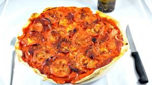 Recette de Pizza chorizo tomate