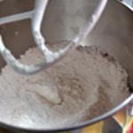 Financier à la pistache Ajouter les poudres