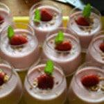 Pana cotta fraises Poser une fraise