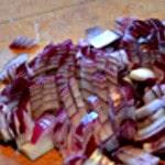 Boulgour et fruits sec Couper les oignons