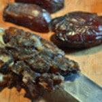Boulgour et fruits sec Couper les dattes