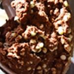 Cookies chocolat blanc et noir Mélanger