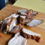 Jambonneau au barbecue Trancher