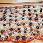 Pizza merguez Ajouter le olives noirs