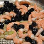 Fusilli au saumon Saisir les crevettes et olives