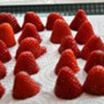 Mousse à la fraise Couper les fraises