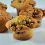 Muffins aux cerises et noisettes Zoom
