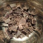 Panna cotta et chocolat Casser le chocolat