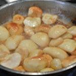 Gateau aux pomme Tatin Saisir les pommes dans le beurre et le sucre
