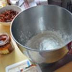 Cakes aux olives noirs Préparer la pâte