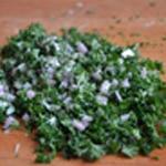 Sauce aux champignons Ciseler le persil
