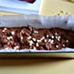 Cake choco noir et blanc Ajouter le pépites blanches