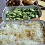 Lassagnes poulet champignons Eplucher les oignons