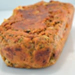 Cake à la morteau et tomates sechées Mélanger les ingrédients
