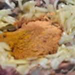 Tajine d'agneau Saisir les oignons et les épices