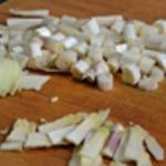 Crème d'asperges violettes Tronçonner les asperges