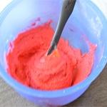Macarons à la framboises Ajouter le colorant