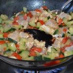 Poulet aux noix de cajun Ajouter la sauce aux huitres